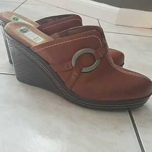 Dr. Scholl's Fall wedges